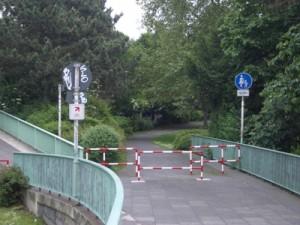 Zoobrücke Wegweiser1